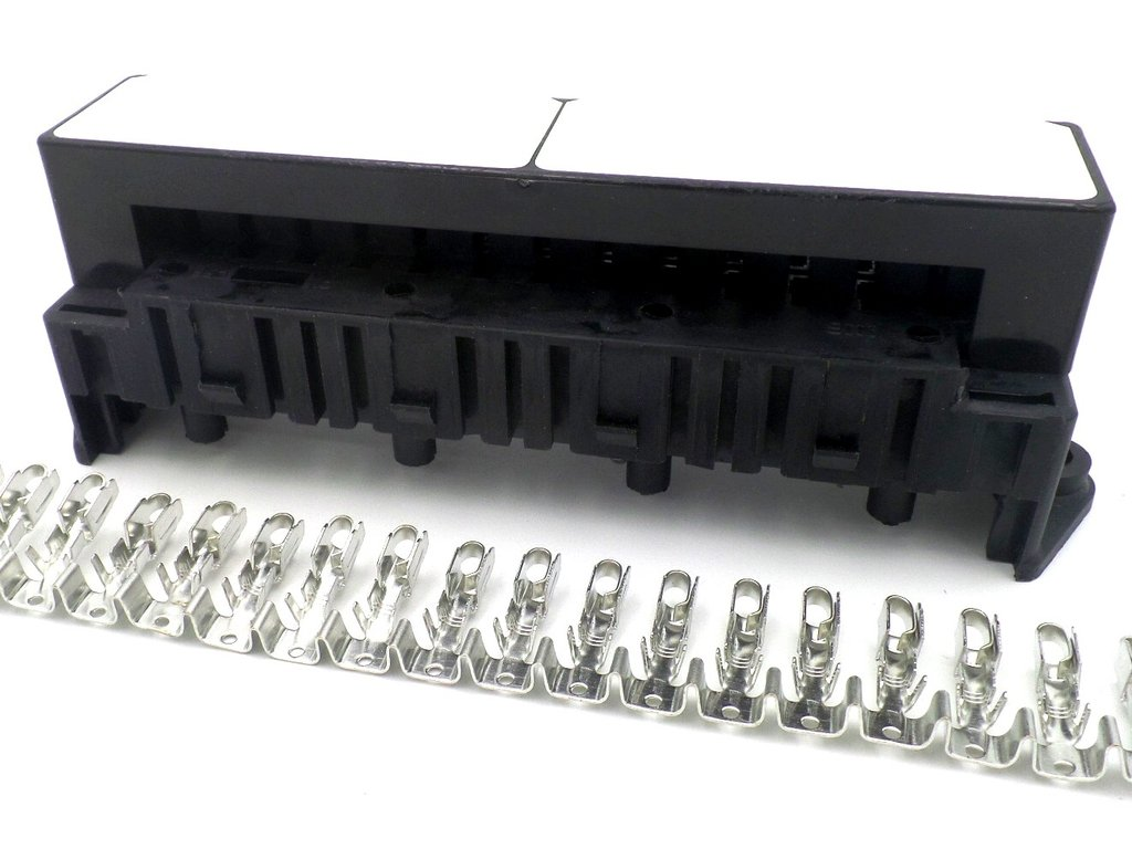 15 Way Automotive Bottom Entry Blade Fuse Box With Terminals Marine Grade Crimp