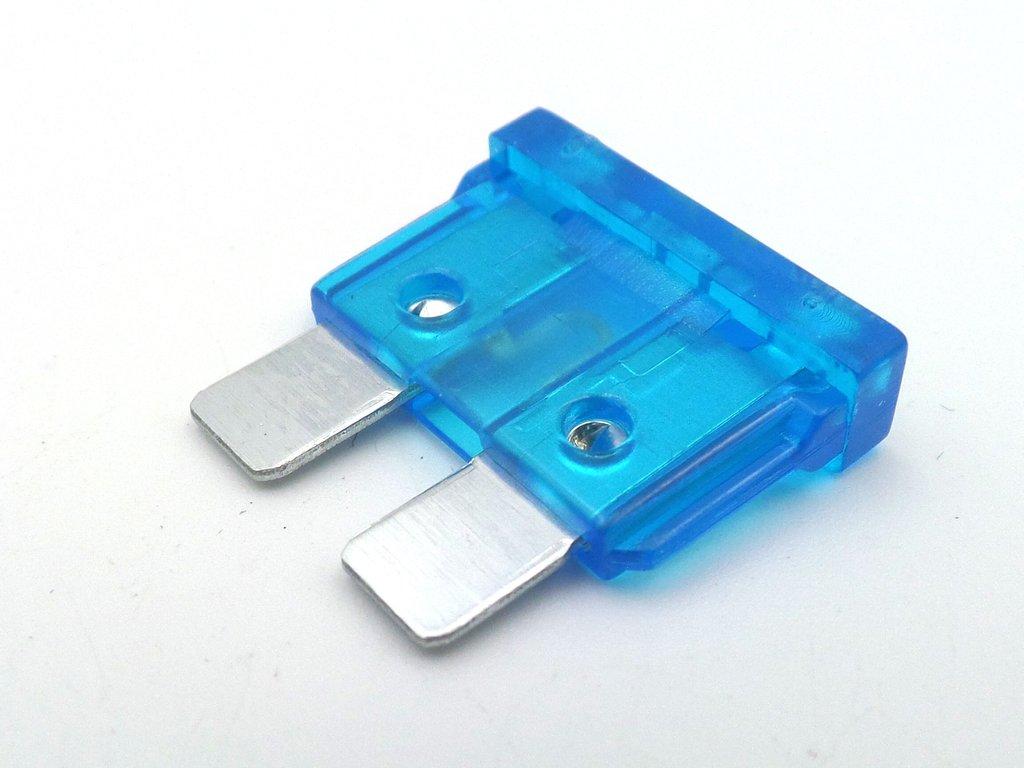 Standard Car Blade Fuses 15 amp Blue pack of 10