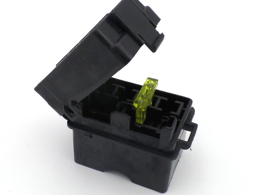 4 way motorcycle bottom entry blade fuse box with terminals