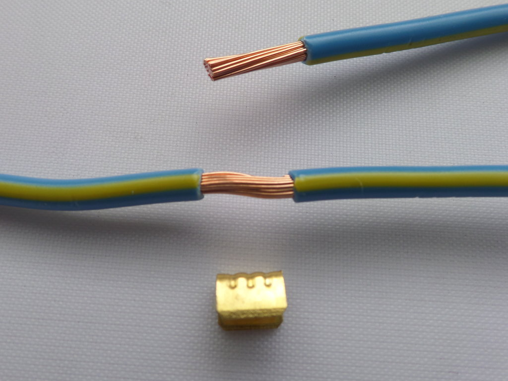 1.5mm² - 4mm² Automotive Loom Cable Crimp U Joint 10 Pack on