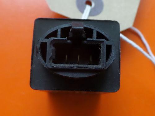 USED Honda VFR800 98 CBR900RR Indicator Relay 38301KK9952