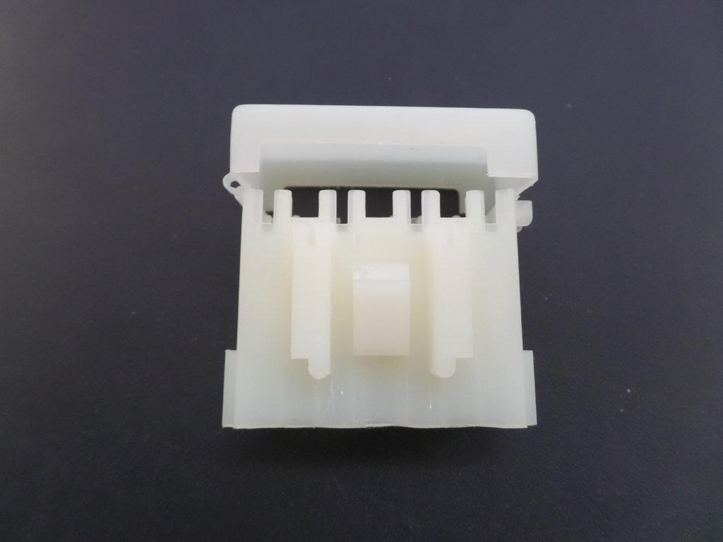Way automotive bottom entry mini blade fuse box with